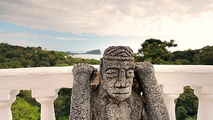 Costa Rica Wedding Video - Statue
